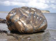 Et stenvæsen i bronze